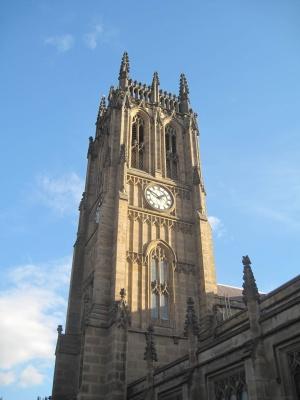 Leeds Minster -kirkko ulkoapäin kuvattuna.