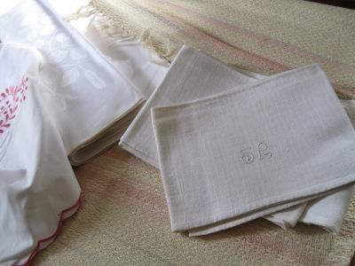 Pellavaisia pyyhkeitä.