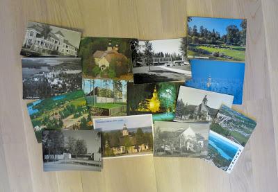 Useita postikortteja, joissa on eri kirkkojen kuvia.