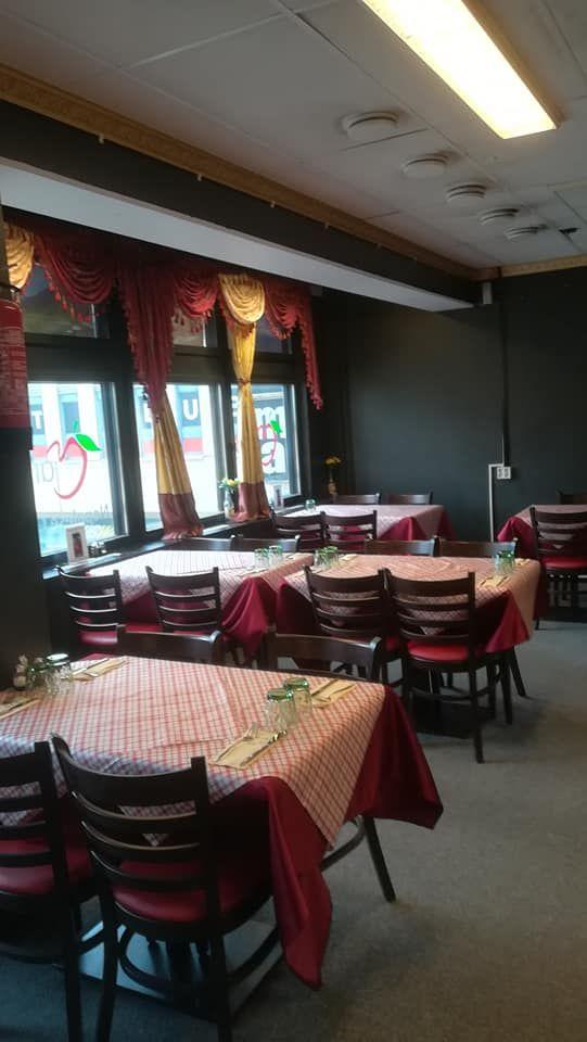 Marphan nepalilainen ravintola kuvattuna sisältä.