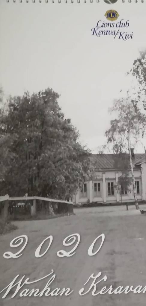 Kuvassa Lionsclub Kerava/Kivi Wanhan Keravan Kalenteri 2020 kansikuvasta osa, jossa mm puita ja koulu.